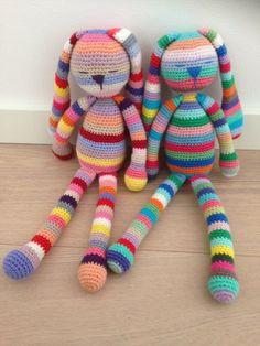 Starting With Amigurumi - Life ideas Bunny Crochet, Crochet Baby Toys, Crochet Diy, Crochet Amigurumi, Crochet Doll Pattern, Crochet Toys Patterns, Love Crochet, Baby Knitting Patterns, Crochet For Kids