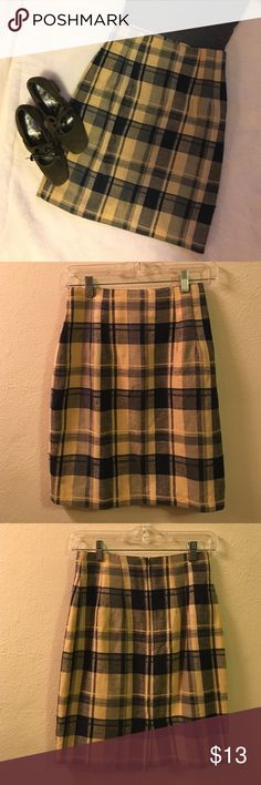 Vintage Yellow Plaid Straight Skirt If Rachel Green and Twiggy had a love child, it would be this skirt. Adorable straight skirt with short slit in back. 20 inches from waist to hem, 26-26.5 in. waist. Size is listed as 5-6, but I would say fits more like a 2-3. Colors are a pale yellow and navy. Also on Ⓜ️ Vintage Skirts Midi