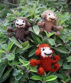 Mini Monkeys - Free Amigurumi Pattern. These guys are adorable! I'm going to make some and hang them from some purses I'm making!  ☀CQ #crochet #crafts #DIY. Thanks so much for sharing! ¯\_(ツ)_/¯