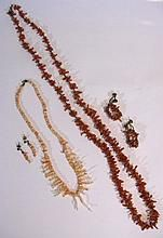 VINTAGE NATURAL BRANCH CORAL NECKLACE & EARRINGS