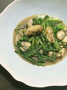 塩分控えめのメニューの味の決め手は、春菊の苦みと牡蠣の旨み。黒こしょうは思い切ってたっぷりと使ってみて。|『ELLE gourmet(エル・グルメ)』はおしゃれで簡単なレシピが満載!