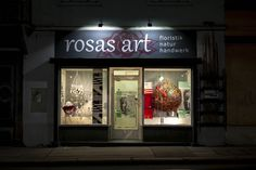 rosas art #diagonale2019 Neon Signs, Art, Pink, Natural Crafts, Art Background, Kunst, Performing Arts, Art Education Resources, Artworks