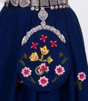BUNADER - Kvinnebunad fra Graffer Folk Costume, Costumes, Going Out Of Business, Detail, Beautiful, Dress Up Clothes, Fancy Dress, Men's Costumes, Suits