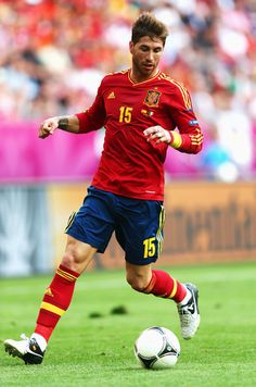 Sergio Ramos Photos - Sergio Ramos of Spain with the ball during the UEFA EURO 2012 group C match between Spain and Italy at The Municipal Stadium on June 2012 in Gdansk, Poland. - Spain v Italy - Group C: UEFA EURO 2012 Football Stadiums, Football Soccer, Real Madrid, Mary Lou Retton, Arsenal Fc, Attractive Men, Football Players, Ronaldo, Hot Guys