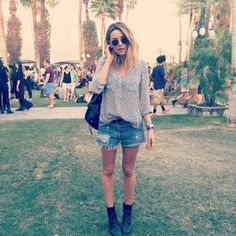 """Mega babe @arielle in her Hipster Shirt at #Coachella  #bellachella #festivalstyle"""