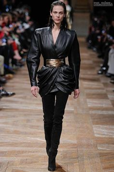 #kamzakrasou #sexi #love #jeans #clothes #dress #shoes #fashion #style #outfit #heels #bags #blouses #dress #dressesNew+York+FW+Balmain
