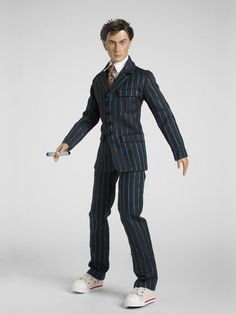 The 10th Doctor by Tonner. 2010? I forget what year. One of my prize dolls, he actually looks better in person than this promo pic, many Tonner dolls do. Tonner only made 4 Doctor Who & Torchwood dolls and I'm pretty sure BBC was so difficult with licensing there will never be more. I am making my own companions. I never got the coat, wish I did, I'll have to make one.