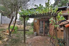 Lovely place to linger....- Ginn A 510 square feet home made from adobe bricks and stone in Santa Barbara, Californi