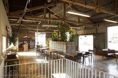 [168] 창고 개조형 카페 인테리어 / 50평 : 네이버 포스트 Slide Images, Window Design, Cafe Design, Cafe Restaurant, Modern Architecture, Coffee Shop, Pergola, Outdoor Structures, Windows