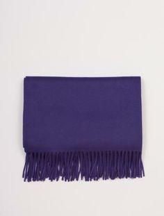 Stort ullsjal (vevd, ikke strikket) i en fin farge som ligner litt på Acne Canada. Retro, Bags, Fashion, Handbags, Moda, Fashion Styles, Totes, Lv Bags, Hand Bags