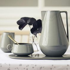 7 irresistible finds in sensuous shades of grey. Click for the buying guide!