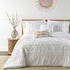 White Comforter Bedroom, Twin Comforter Sets, King Duvet Cover Sets, Bed Duvet Covers, Duvet Sets, King Comforter, Boho Duvet Cover, Cream Bedding, Bed Sets