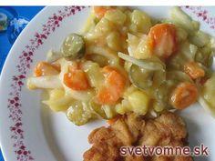 Výborný šalát so zemiakov a zeleniny, vhodný k vyprážanému rezňu na dni horúce.