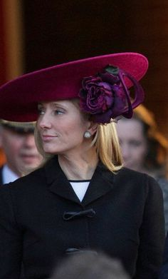 Posted on September 2013 by HatQueen.Princess Marie Chantal of Greece (née Marie Chantal Miller) celebrates her birthday today. Marie Chantal, who married Crown Prince Pavlos of Greece in lives in London with her family. Marie Chantal Of Greece, Greek Royalty, Greek Royal Family, Casa Real, Red Hats, Hats For Women, Ladies Hats, Casual, Victoria