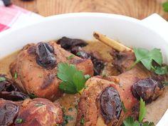 Winny królik ze śliwkami suszonymi Pork, Chicken, Meat, Kale Stir Fry, Pork Chops, Cubs