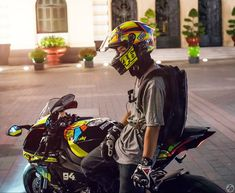 Yamaha R1 2015 edition Valentino Rossi