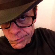 Alton Brown selfie (I never thought I'd have to write that word ever again, but I stumbled across this picture and I didn't know how else to describe it, because that's what it is)