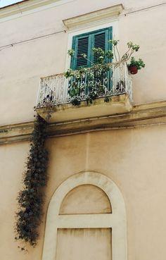 Balcone Cerignola (Fg) Puglia, giugno 2015
