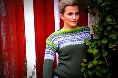 Ravelry is a community site, an organizational tool, and a yarn & pattern database for knitters and crocheters. Knitting Charts, Hand Knitting, Knitting Patterns, Knitting Ideas, How To Start Knitting, Fair Isle Knitting, Poncho Sweater, Knitted Shawls, Wool Sweaters