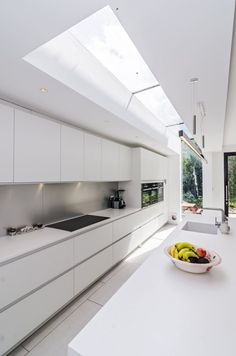 29 Most Popular Kitchen Decoration Ideas 2019 White, minimalist modern handleless kitchen. Pronorm Y-Line, Corian, Siemens. Galley Kitchen Design, Small Galley Kitchens, Luxury Kitchen Design, Best Kitchen Designs, Luxury Kitchens, Home Kitchens, Modern Kitchens, Kitchen Ideas, Kitchen Modern