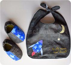 Pedacinhos de Arco Íris: Babetes para os meninos - baby bib & booties