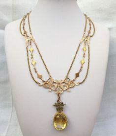 Luxuriöse Viktorianische Halskette zum Drapieren in 18 kt Gold mit großem Zitrin-Anhänger                                                                                                                                                                                 Mehr