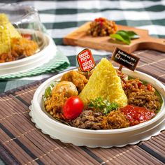 B Food, Nasi Lemak, Asian Recipes, Ethnic Recipes, Malaysian Food, Health Shop, Indonesian Food, Asian Cooking, Food Packaging