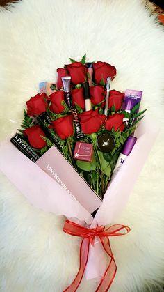 Roses & Makeup Bouquet