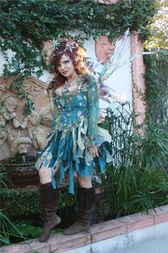water fairy by the fountain Fantasy Costumes, Cosplay Costumes, Halloween Costumes, Scarecrow Costume, Fairy Costumes, Halloween Stuff, Adult Costumes, Halloween Ideas, Water Fairy Costume