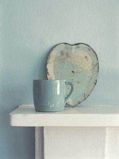 LIA Leuk Interieur Advies/Lovely Interior Advice: Ceramics and a pink star Azul Tiffany, Tiffany Blue, Flylady, Color Celeste, Bleu Pastel, Robins Egg, Duck Egg Blue, My Favorite Color, Ceramic Pottery