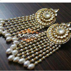 'Shinning Star' Designer Earrings with uncut Kundan work on a gold plated base combined with pearls.  3.5 inches : Light weight  Enquiries: 00447585522293/00447448472033(watsapp/viber) Email: kainoork@gmail.com  #asianbride #sikhbride #desibride #indianbride #indianwedding #sikhwedding #wedmegood #weddingplz #weddingsutra #desibeautyblog #jadau #kundan #polki #navratan #gemstones #instabollywood #hudabeauty #vegas_nay #dressyourface #earrings #gold #wedding #shaadi #henna #mehendi