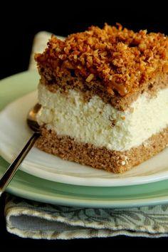 Ciasto z masą krówkową i prażonym kokosem - http://www.mytaste.pl/r/ciasto-z-mas%C4%85-kr%C3%B3wkow%C4%85-i-pra%C5%BConym-kokosem-38633422.html