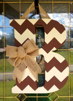 "Chevron Monogram Door Hanger with Burlap Bow  For the new ""hobbit"" door with a  P, of course!"