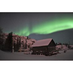 Aurora borealis over a cabin Northwest Territories Canada Canvas Art - Jiri HermannStocktrek Images (18 x 12)