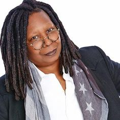 Movies: Whoopi Goldberg is 'pissed off' at the Oscar noms Whoopi Goldberg, Chelsea, World Most Beautiful Woman, Historical Women, Successful Women, Best Actress, Famous Faces, Powerful Women, American Actress