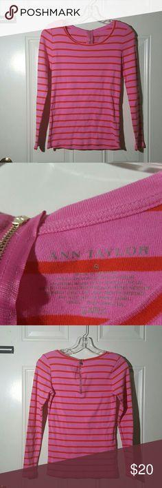 Ann Taylor long sleeve shirt with back zipper Ann Taylor  Size S  Very cute striped long sleeve shirt with back zipper. Excellent condition!  100% cotton Ann Taylor Tops Tees - Long Sleeve
