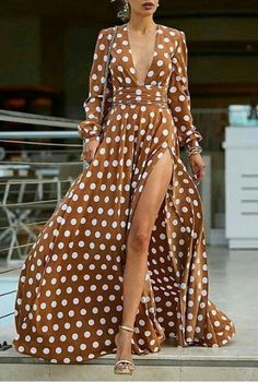 Eos maxi flowy wrap dress in polka dot This polka-dot maxi dress took my breath away Short Beach Dresses, Cheap Maxi Dresses, Sexy Dresses, Beautiful Dresses, Casual Dresses, Fashion Dresses, Summer Dresses, Maxi Skirts, Robes Glamour