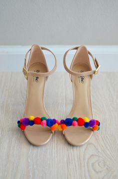 Easy shoe #DIY : Pom Pom High Heels