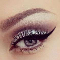 Winged liner - Glitter - Silver eyeshadow