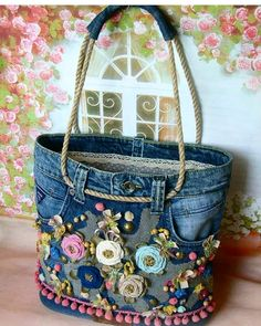 Best 12 Free Tutorial: Easy support for sewing in pocket bottoms - Diy tasche nähen - bags Denim Crafts, Boho Bags, Old Jeans, Denim Bags From Jeans, Denim Jeans, Recycled Denim, Fabric Bags, Fabric Basket, Scrap Fabric