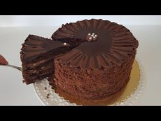 FARA COACERE! Am făcut acest tort în PAN! REȚETĂ SUPERFACILĂ CAKE # 300 - YouTube Easy Baking Recipes, Easy Cake Recipes, Cooking Recipes, Greek Recipes, Chocolates, Chocolate Cake, Food To Make, Sweet Treats, Cheesecake