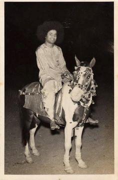 Kaliyug Avatar (foto's shared by Sai Karen)