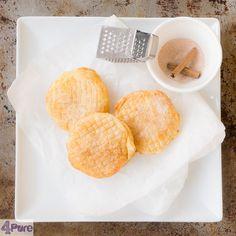 Slanke appel beignets - Deze slanke appel beignets smaken heerlijk krokant, met een zachte appel die met kaneelsuiker is bestrooid. Ze zijn gemaakt in de oven en daarmee wordt het een slankere variant!