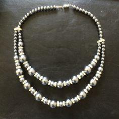 Halsband av markasiter och strass