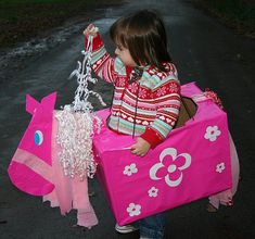 DIY Play Horses -- would be great to make a bunch for a kids party