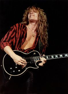 John Sykes > Thereal guitarist behind Whitesnake's success Thin Lizzy, Whitesnake Band, David Coverdale, 80s Hair Bands, Best Guitarist, Les Paul Custom, Rockn Roll, Gibson Les Paul, Van Halen