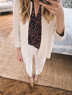 Motivating + Easy Work-from-Home Outfits – Kelly in the City – Work from home outfit Business Casual Outfits, Professional Outfits, Preppy Outfits, Preppy Style, Simple Outfits, Cool Outfits, Casual Attire, Easy Work, White Skinny Jeans