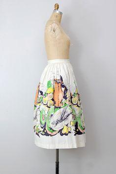 OMG i own this!!!   vintage 1950s skirt / vintage 50s skirt / circle skirt / retro novelty print skirt
