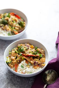 This deliciously creamy and rich Vegan Peanut Stew makes for a warm and comforting easy weeknight meal that's super quick and simple to make using just One Pot. Packed with healthy vegetables and plant-based protein from kidney beans and peanut butter! Gluten-free, soy-free, dairy-free and plant-based!  Serve over rice #veganrecipes #stew #peanutbutter #plantbasedrecipes #onepotmeal #onepotrecipes Veggie Recipes, Vegetarian Recipes, Vegan Meals, Vegan Soups, Meal Recipes, Vegan Food, Healthy Vegetables, Veggies, Jamaican Curry Powder