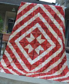 Red & White Log Cabin Quilt @ www.appalachianquilts.blogspot.com